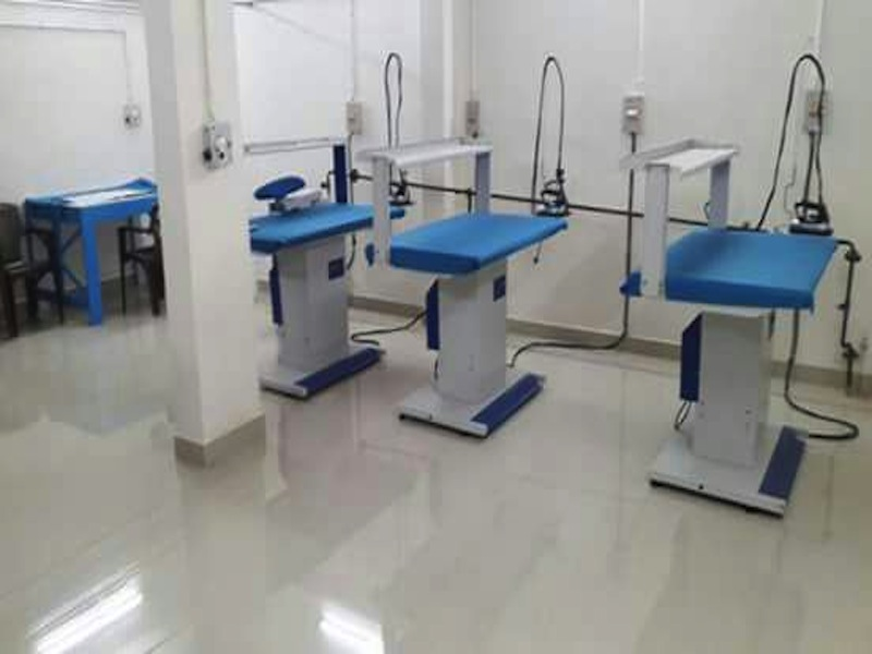 vacuum ironing table with built in boiler